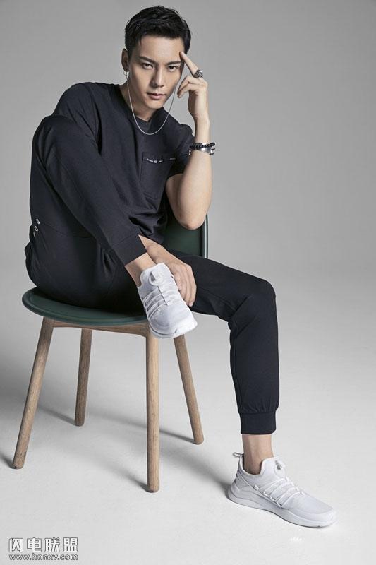 帅哥明星陈伟霆时尚运动风写真图片